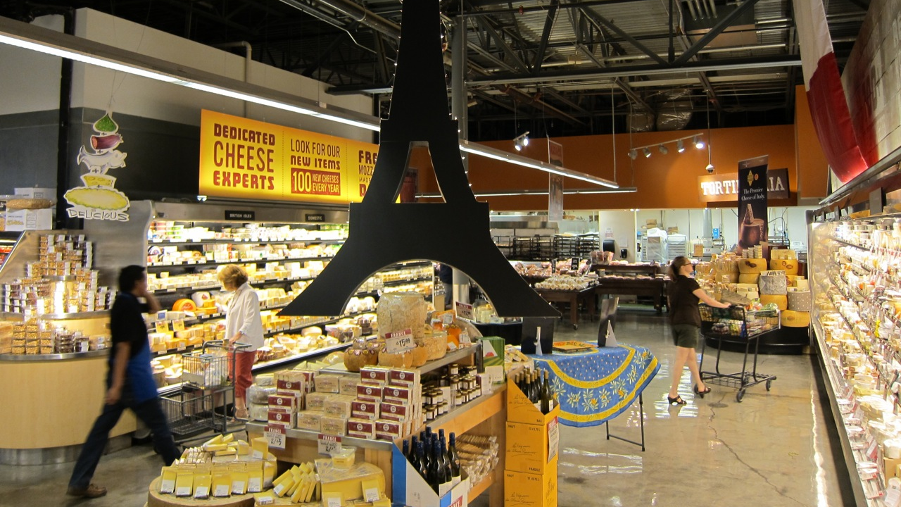Photo by Mai Pham: Central Market cheese section