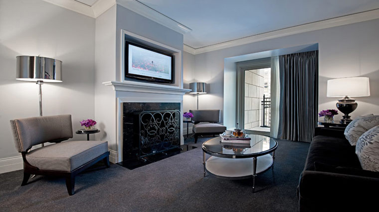 Waldorf Astoria Chicago Gold Coaste Suite