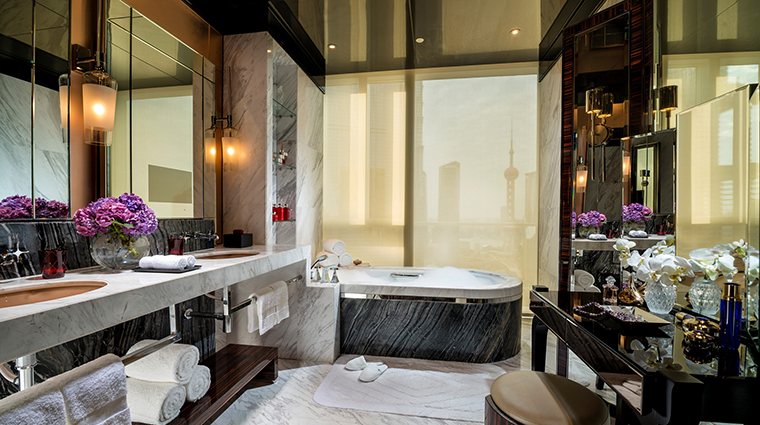 Four Seasons Hotel Pudong, Shanghai Presidential Suite Bathroom