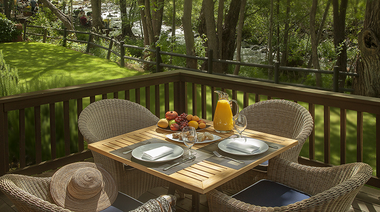 Cottage Deck Breakfast