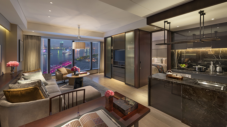 Mandarin Oriental Pudong, Shanghai One Bedroom Apartment With Harbour Views
