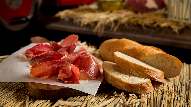 Fine Cured Ham Serves with Country Bread