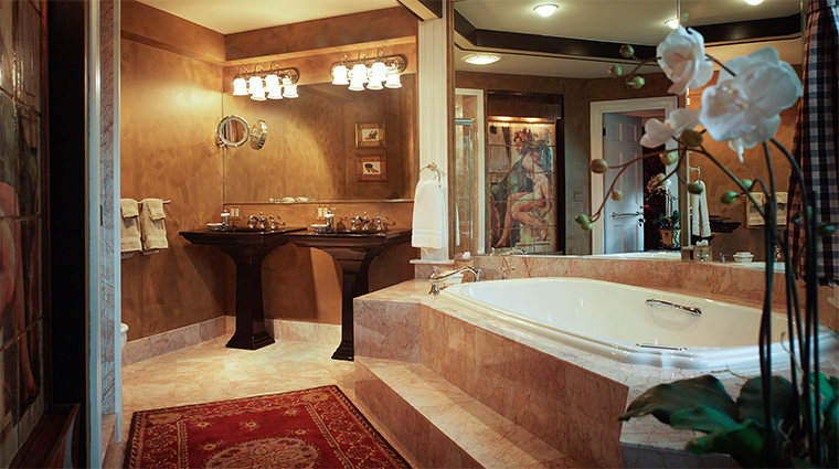 The Captain Lord Mansion Champion Guest Room Bathroom