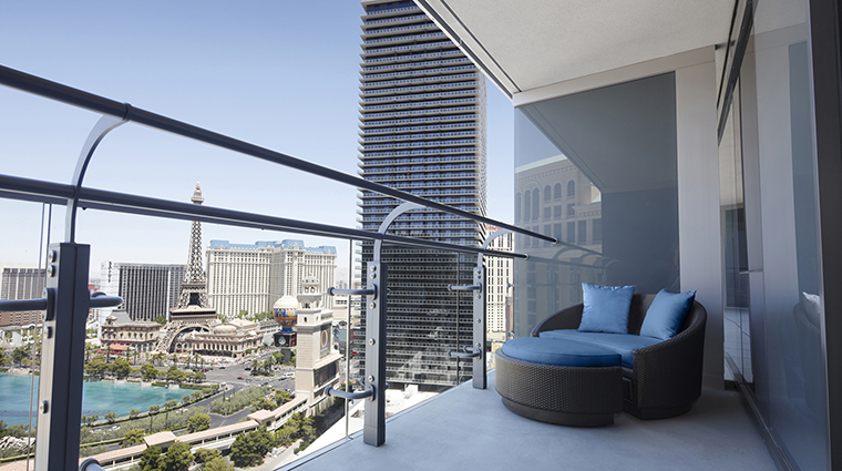 Private Terrace Overlooking The Strip