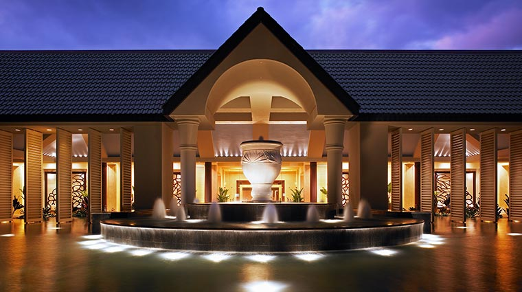 The St. Regis Princeville Resort Porte Cochere