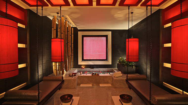 The Spa at Four Seasons Hotel Hangzhou at West Lake Treatment Room