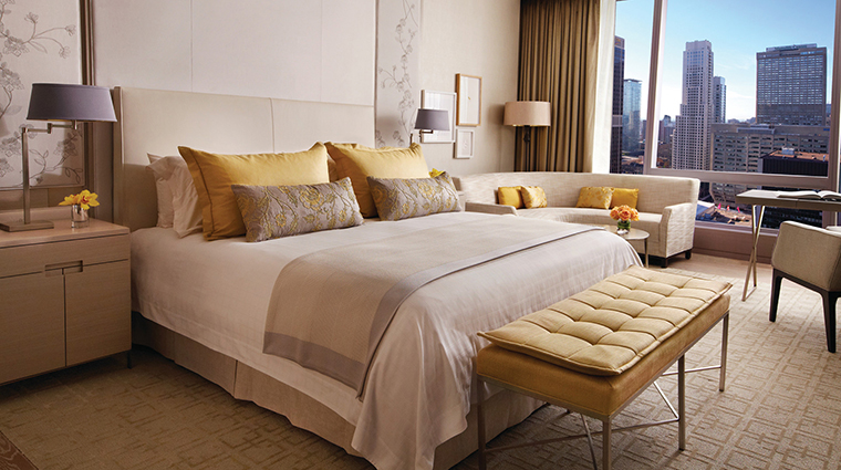 Four Seasons Hotel Toronto Superior King Bedroom