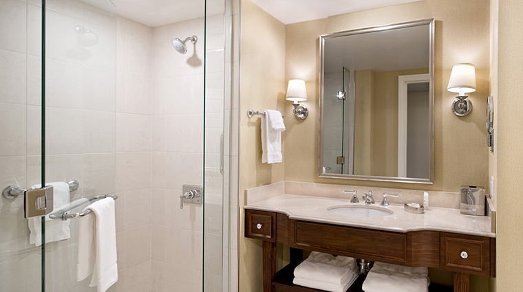Morris Inn Guest Room Suites Bathroom