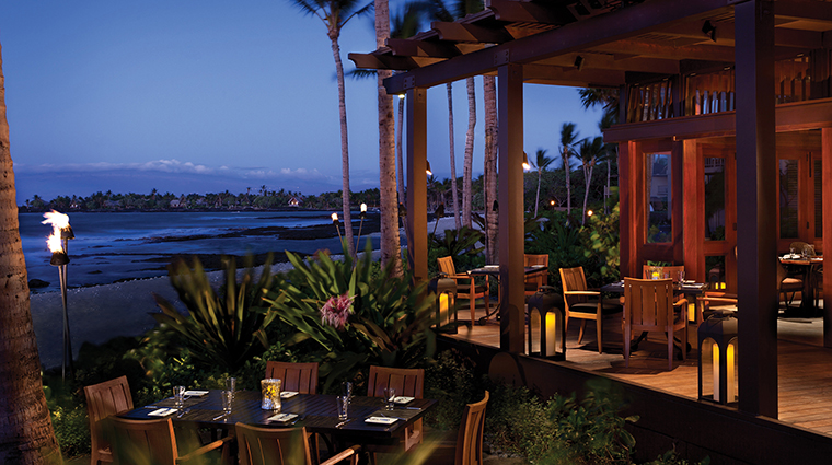 'ULU Ocean Grill + Sushi Lounge Outdoor Dining