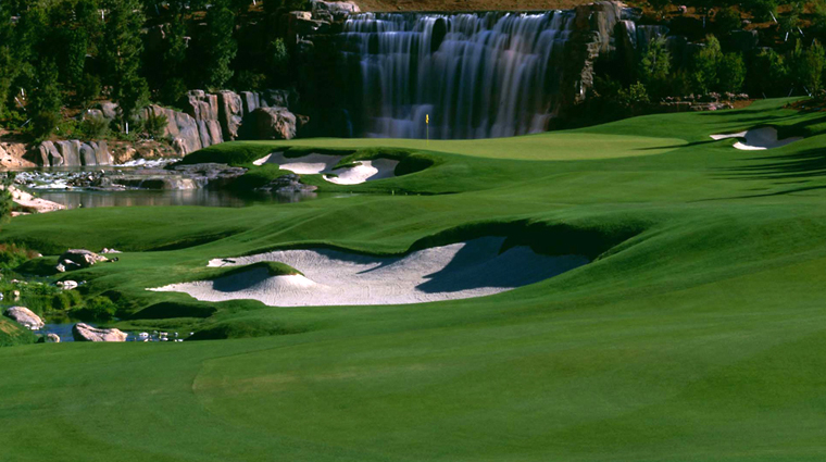 Golf at Wynn Las Vegas Hole 18 Waterfall
