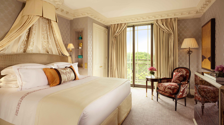 The Dorchester Park Suite Master Bedroom