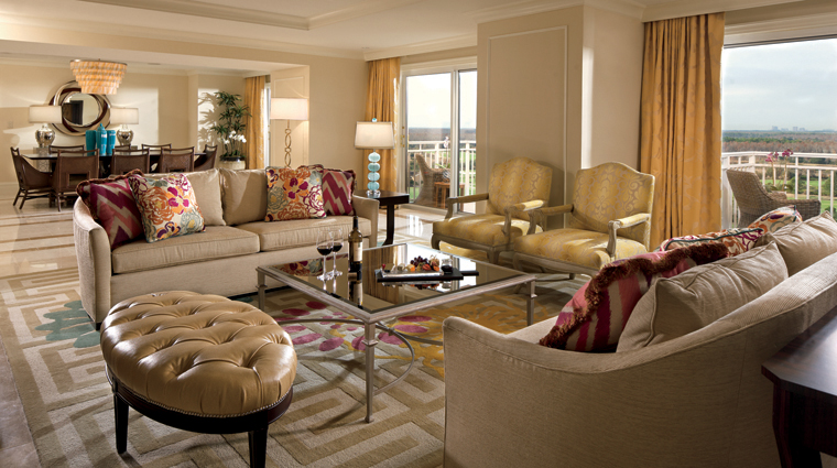 The Ritz-Carlton Orlando, Grande Lakes Club Lounge
