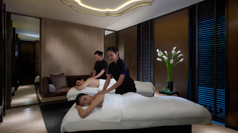 Mandarin Oriental, Singapore Couples Spa Treatment Room