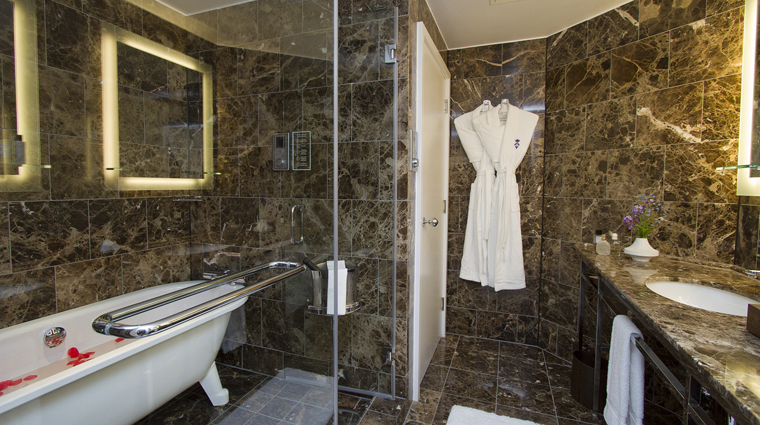 St. Ermin's Hotel Bridal Suite Bathroom