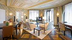 Suite Deluxe Living Room